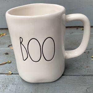 "Rae Dunn ""BOO"" mug"